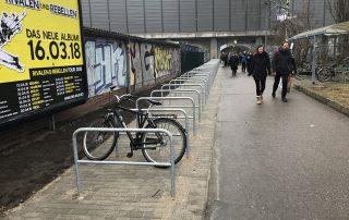 WiR – Wohnen in der Rummelsburger Bucht Nachbarschaftsverein – Fahrradbügel am S-Bahnhof Rummelsburg